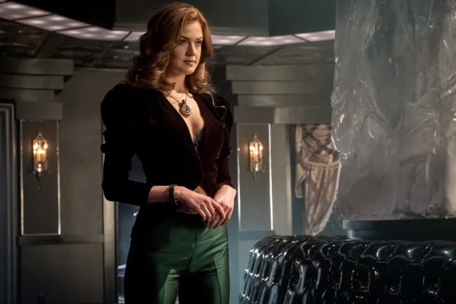 Ivy is Poison - Gotham Season 4 Episode 1