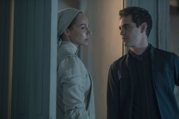 No Need to Go Underground - The Handmaid's Tale Season 2 Episode 13