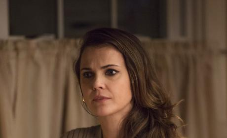 Asking Questions - The Americans Season 5 Episode 3