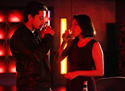 Watch Queen of the South Season 1 Episode 10 Online