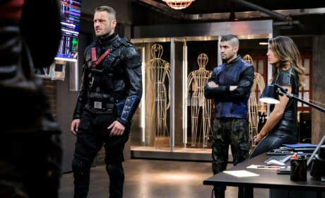 Picking a Side - Arrow Season 6 Episode 12
