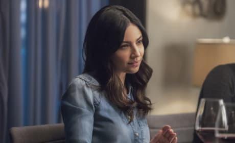 Skeptical - Supergirl Season 2 Episode 19