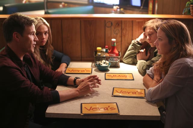 Family Talk - The Gifted Season 1 Episode 1