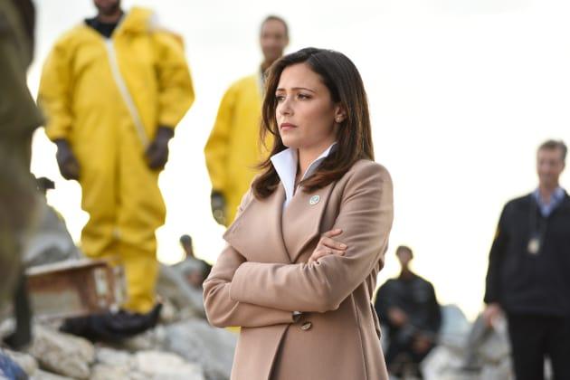 Emily! - Designated Survivor Season 1 Episode 2