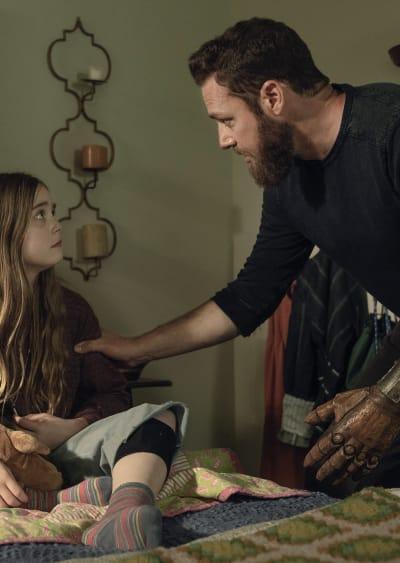 Saving Gracie - The Walking Dead Season 11 Episode 5
