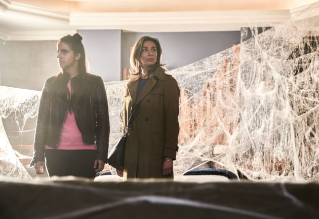 Mother and Daughter On the Case - Doctor Who Season 11