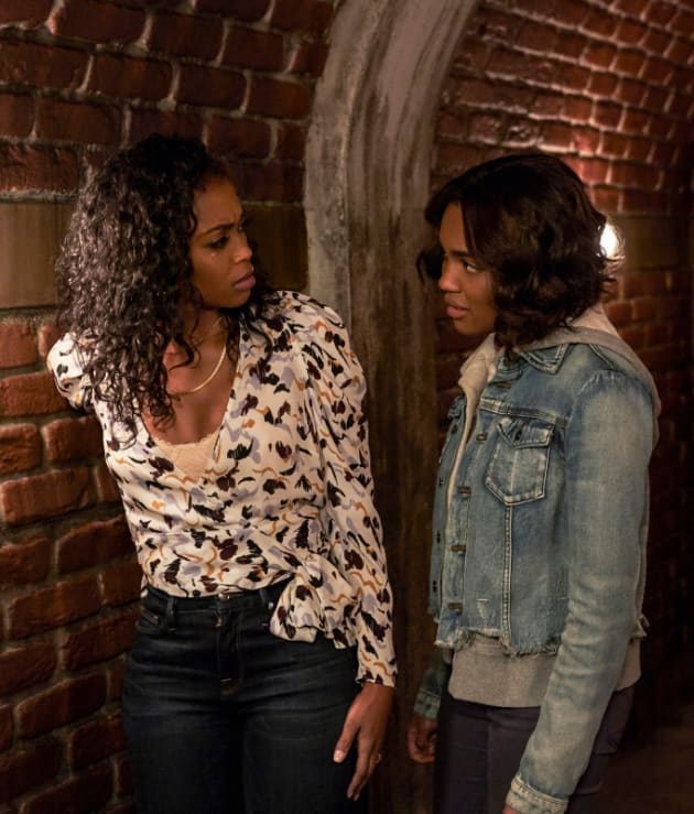 Grace's Mystery - Black Lightning Season 2 Episode 14