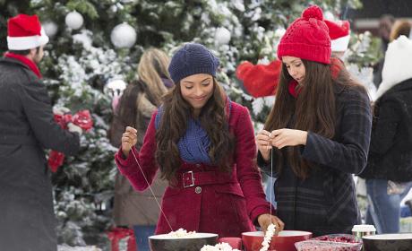 Christmas with Bonnie and Elena - The Vampire Diaries Season 6 Episode 10