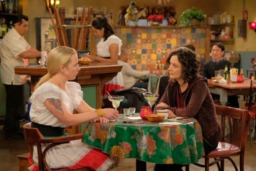 Darlene Offers Advice - Roseanne Season 10 Episode 4