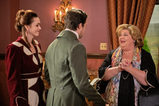 Martha Directs a Tableau Vivant - Good Witch Season 6 Episode 7