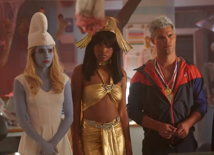 Watch Scream Queens Season 2 Episode 4 Online