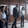A Surprise Awaits - The Flash Season 4 Episode 1