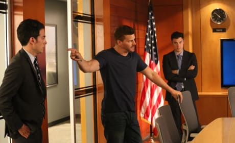 Booth and Sweets are Forced to Work With a New Agent - Bones Season 10 Episode 1