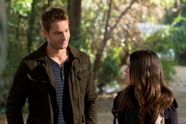 Justin Hartley as Jesse