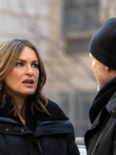 (TALL) Looking for Help - Law & Order: SVU Season 20 Episode 16