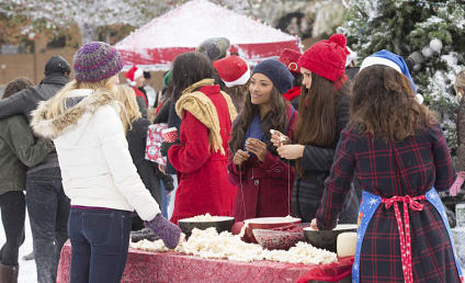 The Vampire Diaries Photo Preview: Alone on Christmas