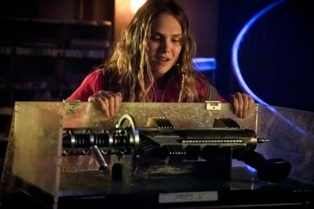 Hello Nora Fries - Arrow Season 7 Episode 9