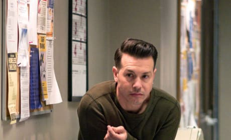 Sell Your Soul - Chicago PD Season 6 Episode 21
