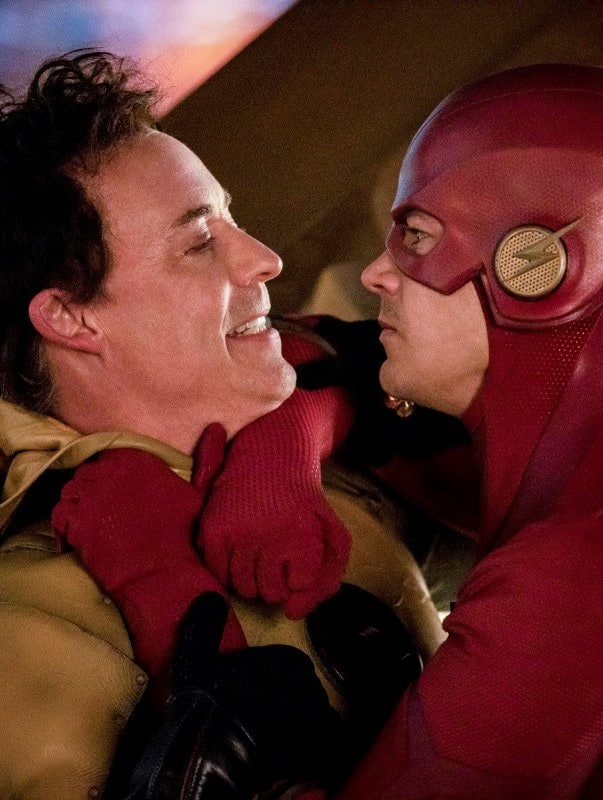 Flash Chokes Thawne - The Flash Season 5 Episode 22