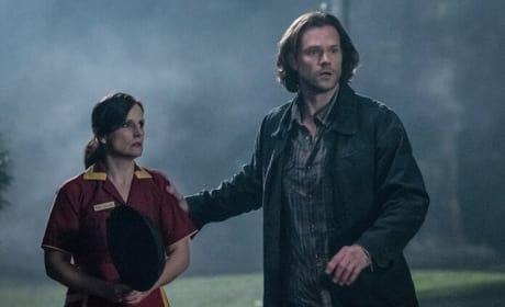 Sam Helps - Supernatural Season 13 Episode 17