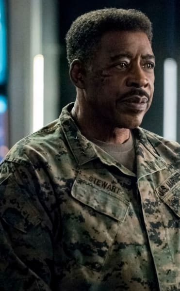 General (Tall) - Arrow Season 7 Episode 19