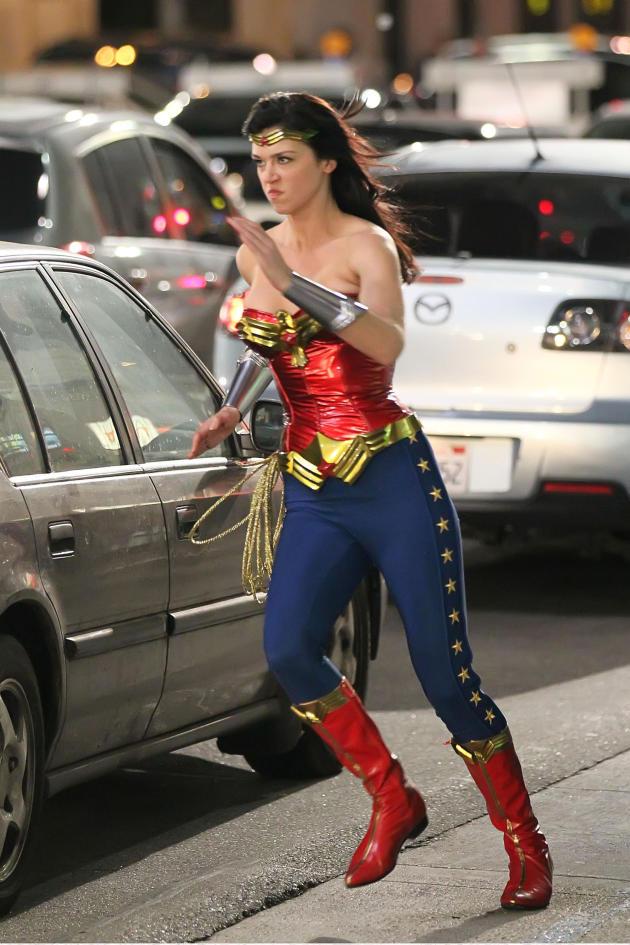 Wonder Woman Set Shot
