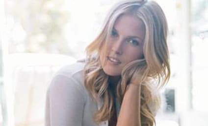 Ali Larter: Cosmo Cover Girl