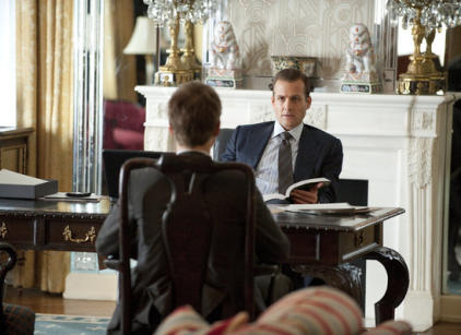 Watch Suits Season 1 Episode 1 Online