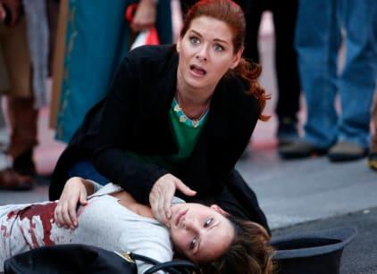 Watch The Mysteries of Laura Season 1 Episode 4 Online