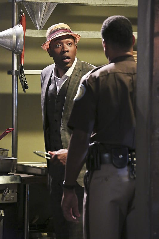 Caught in the Act - Hart of Dixie Season 4 Episode 4