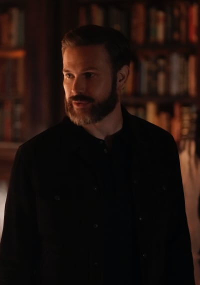 Alaric Looks Worried - Legacies Season 2 Episode 12