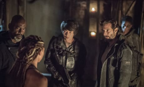 Tensions Rise — The 100 Season 4 Episode 8