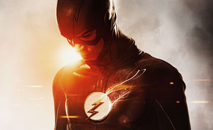 The Flash Season 2: The Speedster Spruces Up His Look!