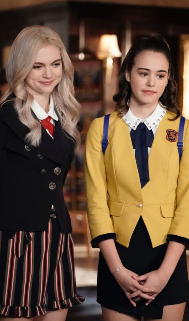 The Show Must Go On - Legacies Season 1 Episode 11