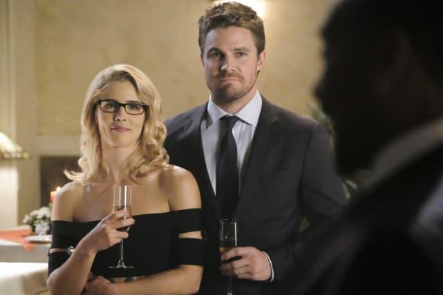 Happy Couple Is Happy - Supergirl Season 3 Episode 8