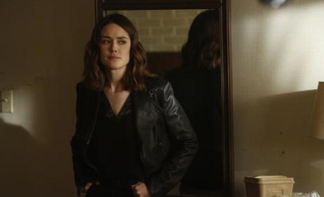 Liz doesn't look happy - The Blacklist Season 4 Episode 22