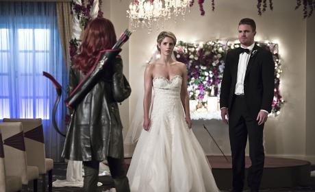 Hey Cupid - Arrow Season 4 Episode 16