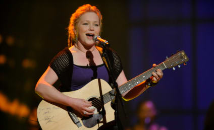 Crystal Bowersox Brings It!