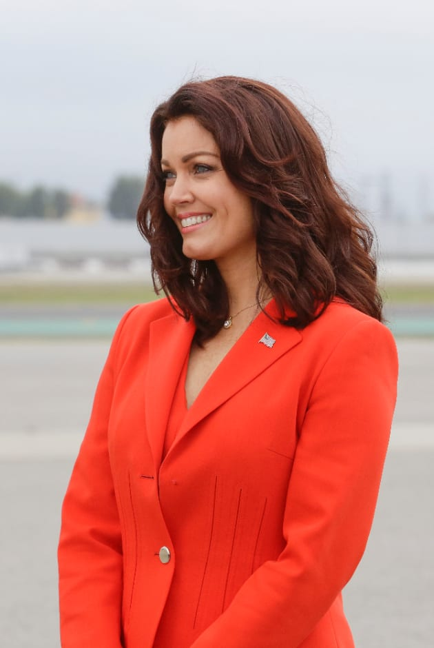 What's Mellie So Happy About? - Scandal Season 5 Episode 19