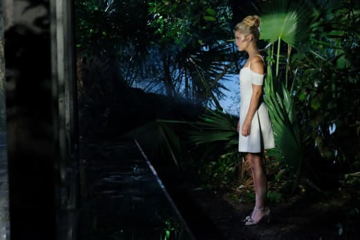 Lonely Girl - Cloak and Dagger Season 1 Episode 3
