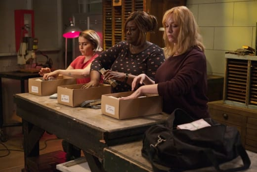 Ladies At Work - Good Girls Season 3 Episode 4