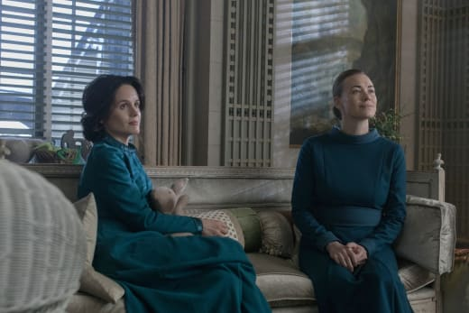 A New Friend for Serena - The Handmaid's Tale