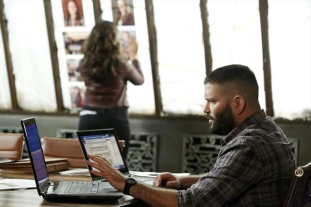 Huck and Quinn Work the Case - Scandal Season 4 Episode 3