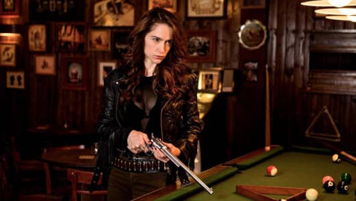 Clues To The Past - Wynonna Earp