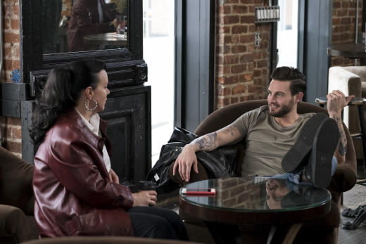 Maggie and Josh Meet - Younger Season 4 Episode 3