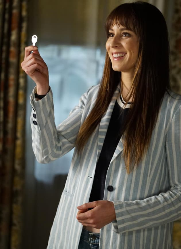 Spencer Has the Key - Pretty Little Liars Season 7 Episode 19