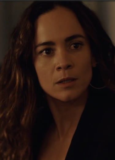 Teresa Sees a Ghost - Queen of the South Season 4 Episode 3