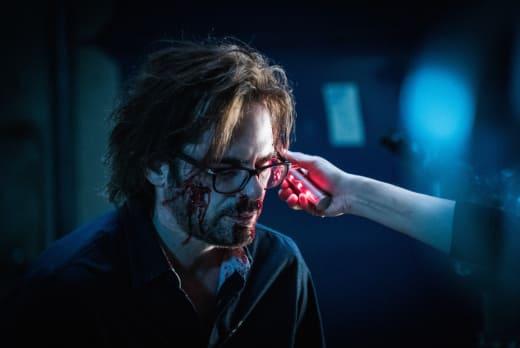 Bloody Mr. Duncan - Zoo Season 3 Episode 9