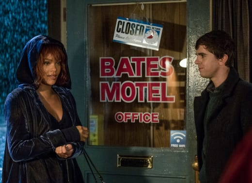 Rihanna Checks In - Bates Motel