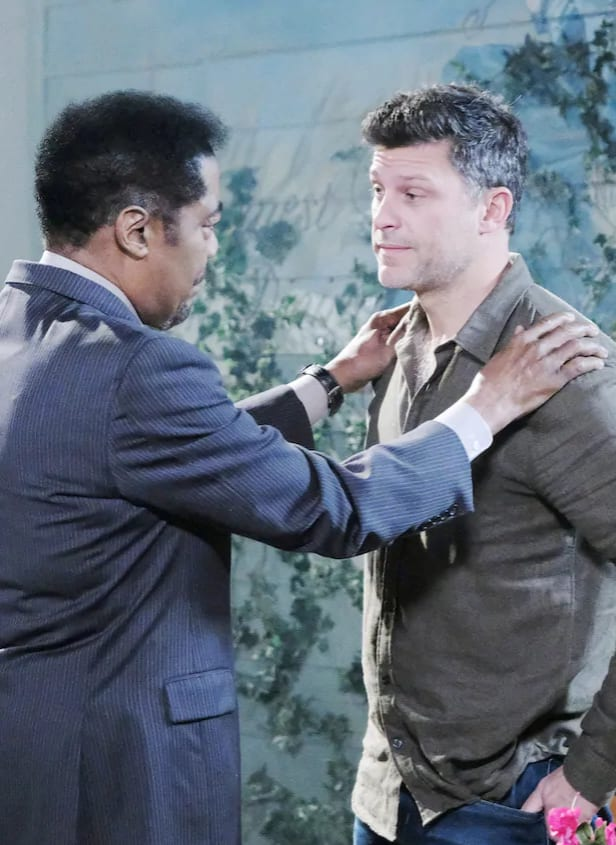 Eric Contemplates a Change - Days of Our Lives